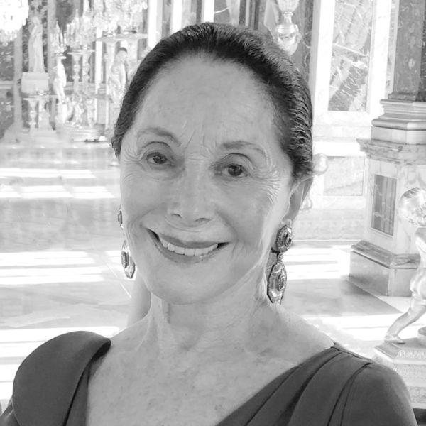 Joan Kahn