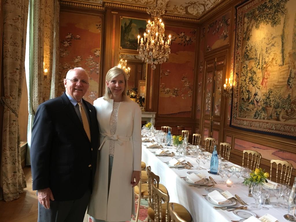 Nick Mueller and Dorothea de La Houssaye